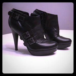 Guess platform black shoes
